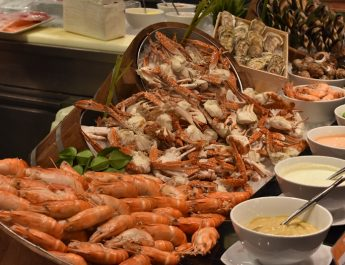 seafood-overboard-novotel-siam