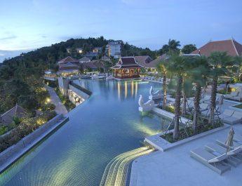 amatara-wellness-resort-pool-panoramare