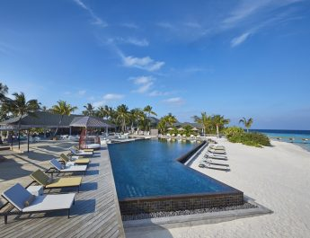 amari-havodda-maldives-pool_resize